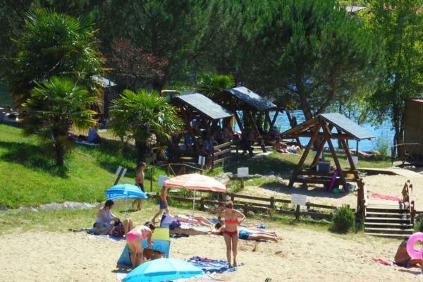 water-park-de-sames-table-pique-nique-8149FDD12-85D2-252F-9DE6-156B490FE792.jpg
