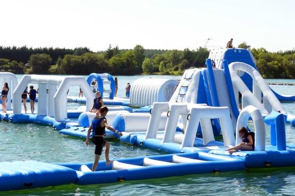 water-park-de-sames-parcours-aquatique-1793AB074C-2DD2-AABF-BC87-561BFF143E0C.jpg